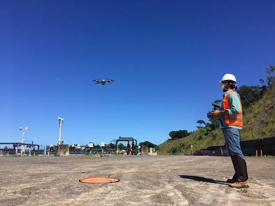 Drone sendo utilizado para topografia